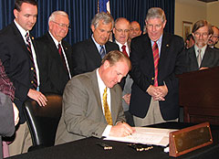 Governor Culver signs voting machine bill