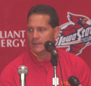 Reports says ISU Coach Gene Chizik will leave for Auburn.