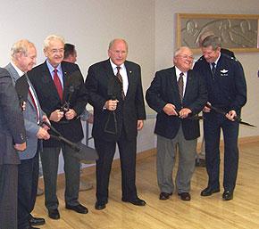 Former Governor Bob Ray, Congressman Leonard Boswell, Gold Star Museum president Bob Holliday, State Senator Jack Kibbie, General Ron Dardis.