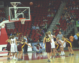 Denver and Cascade players during free-throw.