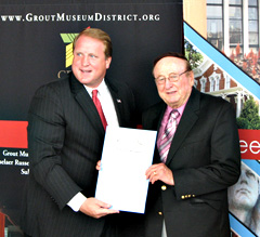 Governor Culver and veteran Ed Gallagher.