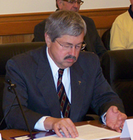 Former Governor Terry Branstad. (file photo)