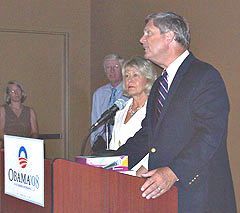 Christie Vilsack, Tom Vilsack (file photo)