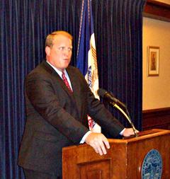 Governor Culver announces budget cut plans.