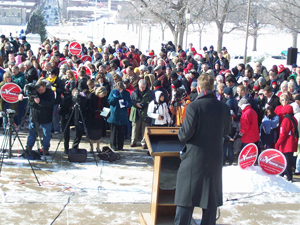 Chuck Hurley addresses LUV rally at the capitol.