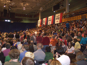 Crowd waits for President Obama's visit to Ottumwa.