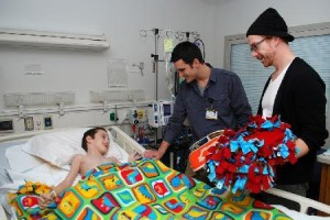 Blanket Making Party To Benefit Patients At U Of I Chidren