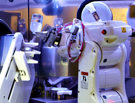 This robot dispenses chemotherapy drugs.