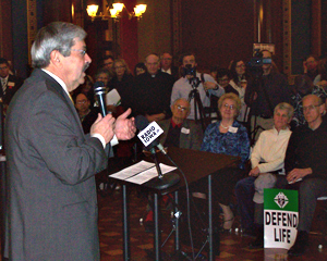 Governor Branstad speaks at a pro-life rally at the state capitol.