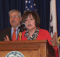 Debbie Durham and Governor Branstad.