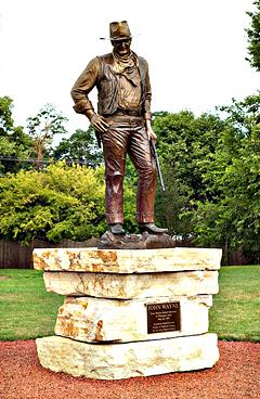 John-Wayne-statue