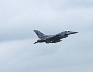 F-16 flies out of Des Moines on a training mission. (click photo to enlarge)