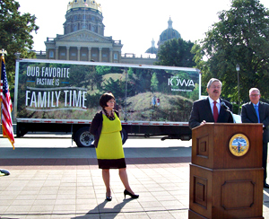 Governor Branstad announces program to promote tourism on IABD trucks.