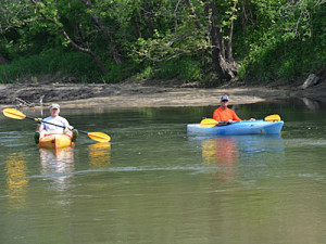 Kayakers-on-Maquoketa-River