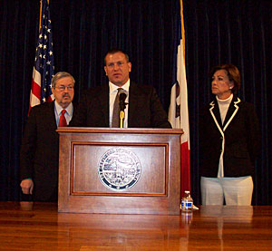 Mark Albenze of Siemens with Governor Branstand and Lt. Governor Reynolds.