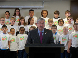 Governor Branstad announces the STEM campaign at Greenwood Elementary School in Des Moines.