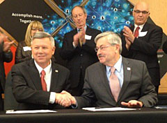Nebraska Governor Dave Heineman and Iowa Governor Terry Branstad. (L-R)