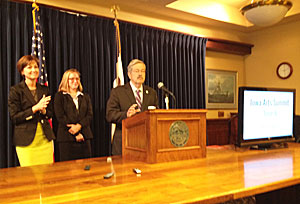 Lt. Governor Kim Reynolds, Iowa Department of Cultural Affairs director Mary Cownie and Governor Branstad.
