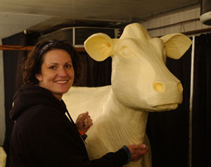 Sarah Pratt and the Butter Cow (Iowa State Fair photo)