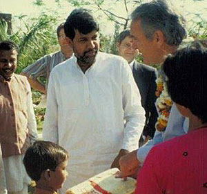 Senator Tom Harkin (right)  with Kailash Satyarthi.