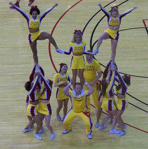 ISU-cheerleaders