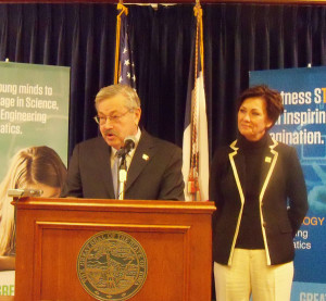 Governor Terry Branstad answers media questions as Lt. Governor Kim Reynolds listens.