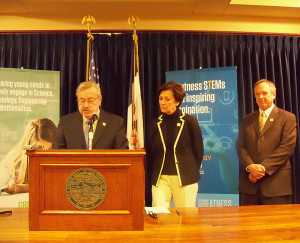 Governor Branstad, Lt. Governor Reynolds and Jeff Weld. (R-L)