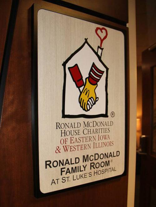 Ronald mcdonald family room opens at cedar rapids hospital for Ronald mcdonald family room