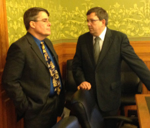 Mike Gronstal and Craig Paulsen talk about the school aid stalemate. (L-R)