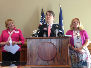Senator Gronstal speaks, with Rep. Winckler  (left) and Senate President Jochum.
