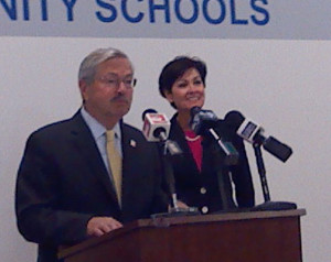 Governor Terry Branstad and Lt. Governor Kim Reynolds in Sioux City.