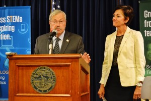 Gov. Terry Branstad at his news conference today.