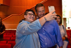Martin O'Malley takes selfies with Grinnell College students.