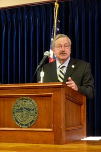 Terry Branstad at his weekly news conference.