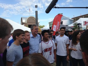 Jeb Bush takes photos with supporters at the Iowa State Fair.