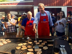 Terry Branstand and Jeb Bush grill together at the Iowa State Fair.