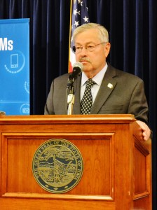 Governor Terry Branstad at the news conference this morning.