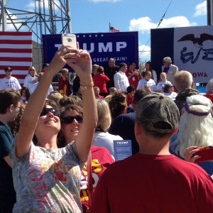 Crowd waiting for Donald Trump.