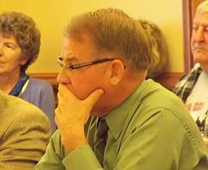 DNR director Chuck Gipp listens to ICCI members.
