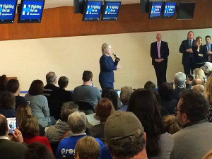 Hillary Clinton in Adel.