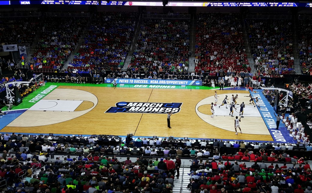 ncaa bball in dsm Mar 2016