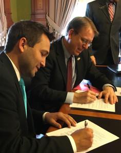 Representative Bobby Kaufmann and Senator Rob Hogg. (L-R)