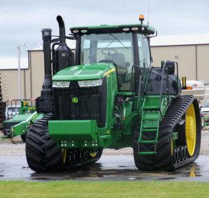 John-Deere-tractor-300x284