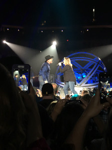 Garth Brooks and wife Trishia Yearwood sing a duet at Des Moines show.