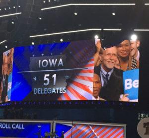 Iowa-delegate-sign