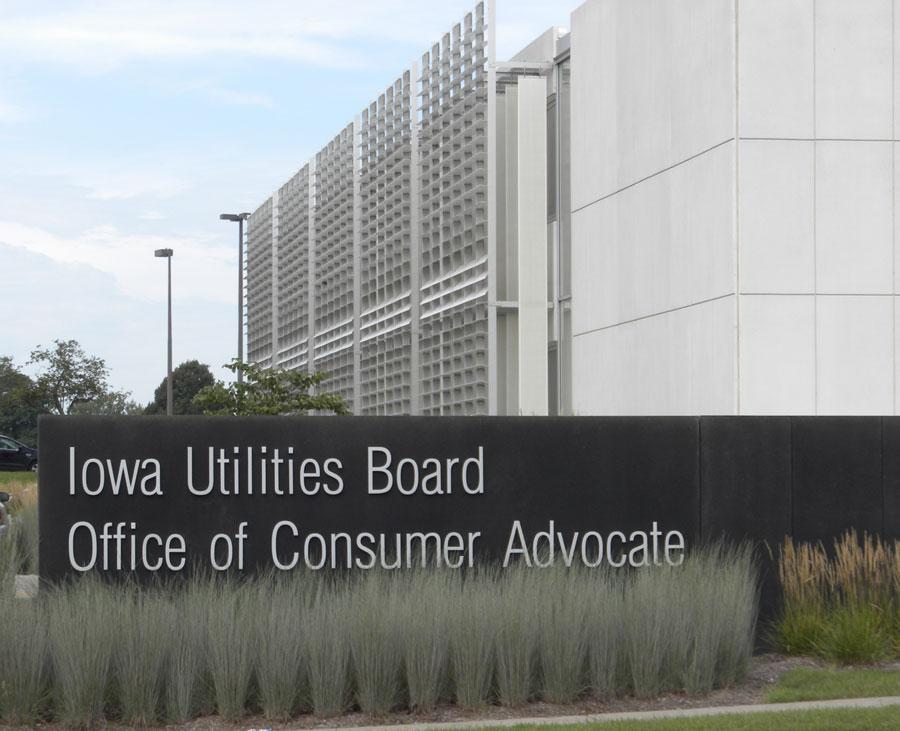Iowa board doesn't immediately vote on pipeline request