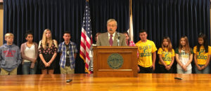 Governor Terry Branstad with GEAR UP students.