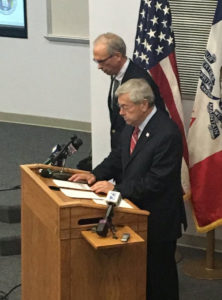 State Emergency Management Administrator Mark Schouten with Governor Terry Branstad.
