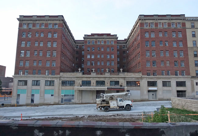 Warden Plaza Hotel