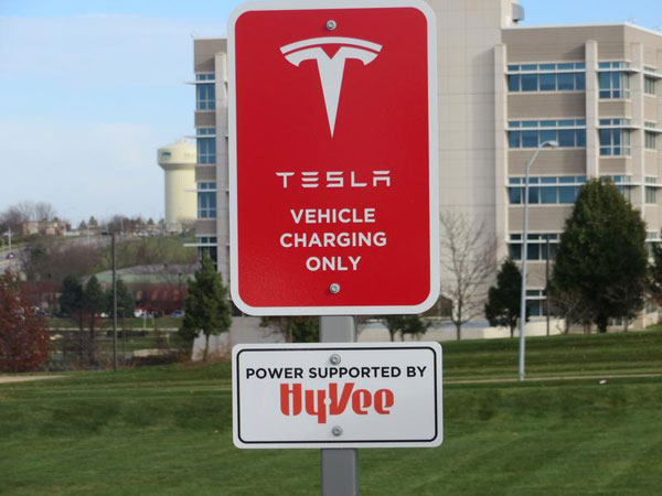 Supermarket Chain Adds Tesla Charging Stations To Some